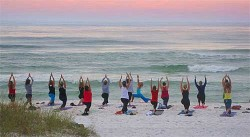 beach-yoga_69150309_std